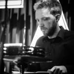 Konzentriert am Schlagzeug: Hendrik Halher